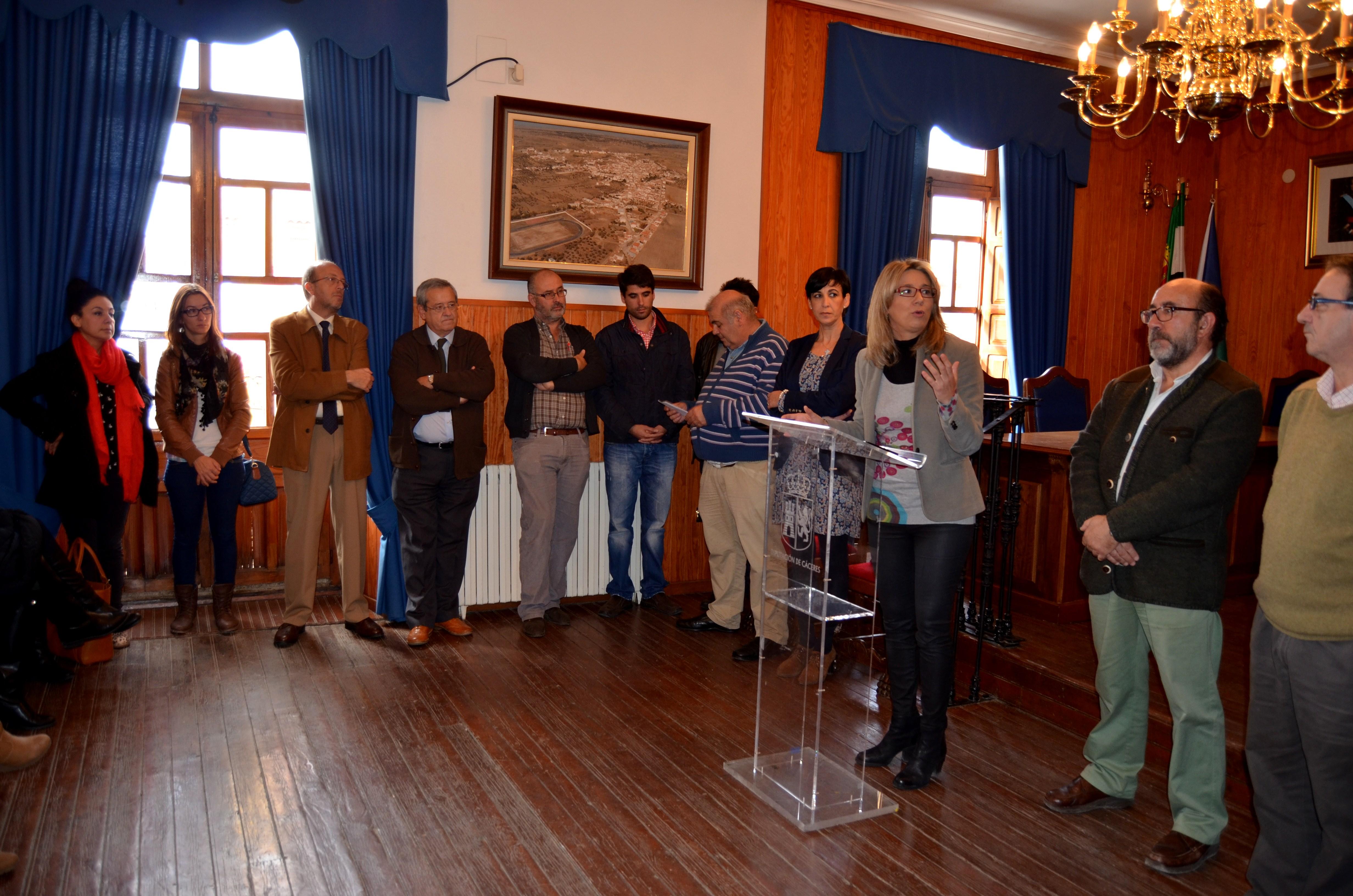 Cristina Teniente clausura e inaugura varios cursos de la Mancomunidad en Torrejoncillo