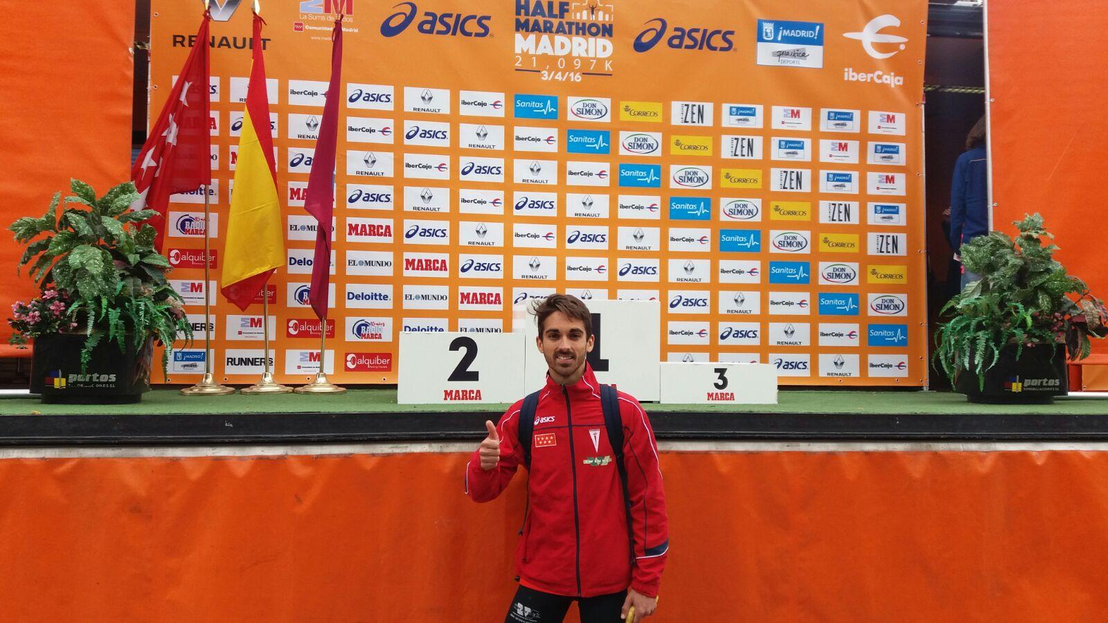 Mario Mirabel vuela sobre Madrid