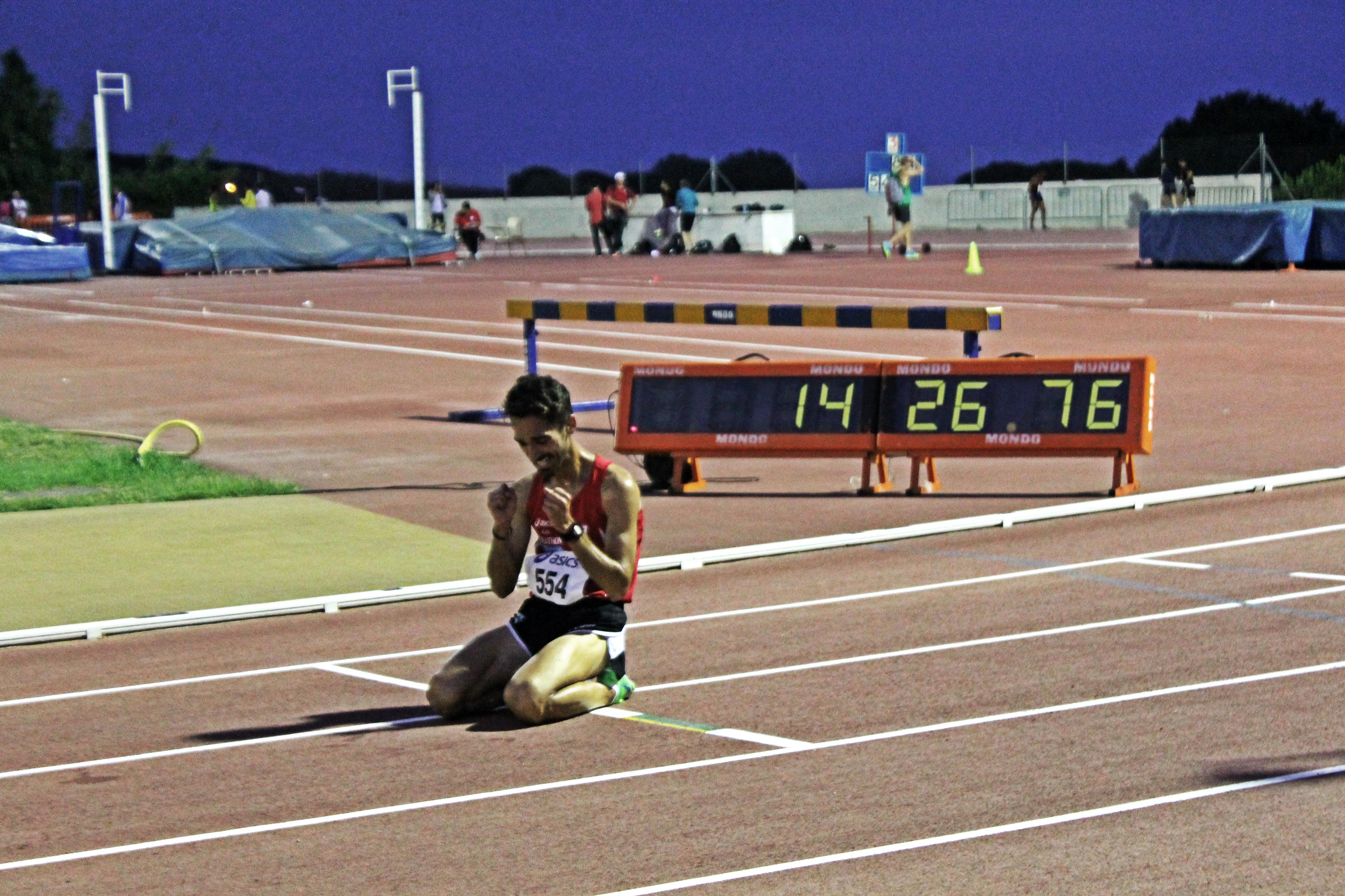 Mario Mirabel vuela a Bélgica para participar en un meeting en la prueba de 5000 m.l.