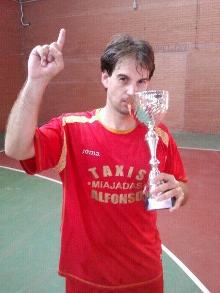 May Macías se proclama campeón de Extremadura de fútbol sala con Taxis Alfonso de Miajadas