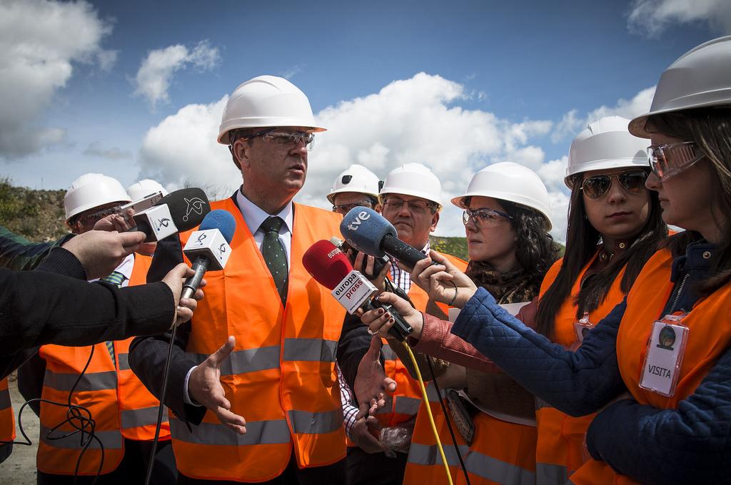 El presidente Monago augura un buen futuro para la mina de estaño de Pedroso de Acim