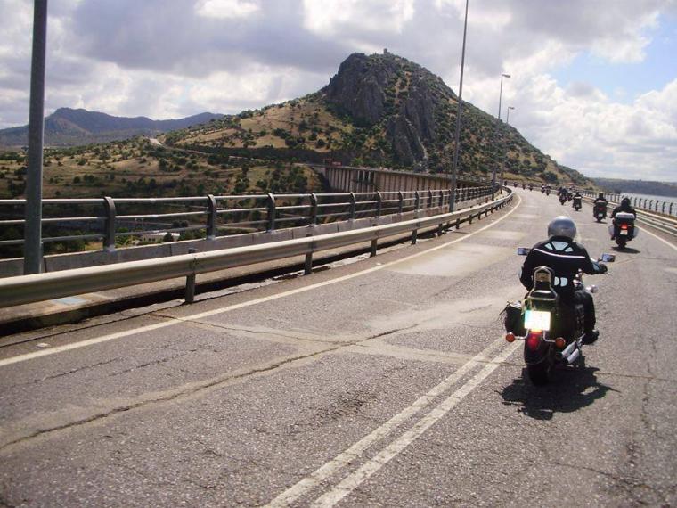 La III Vuelta a Extremadura en moto pasó por Torrejoncillo
