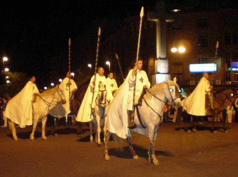 Unos 30 jinetes participaron en la I Ruta Ecuestre 'Orden de Alcántara'