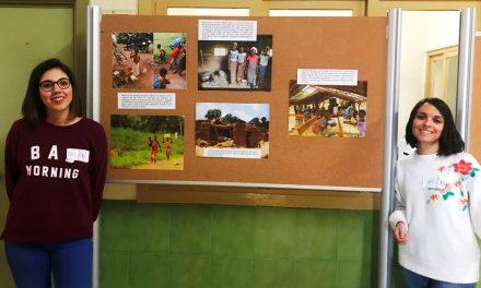 El IES Alagón de Coria inicia un taller de artesanía africana a favor de Gentinosina Social