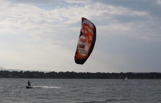 Piragüismo, kitesurf y windsurf en Portaje