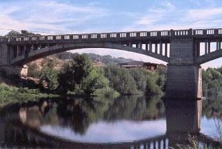 Un hombre de 70 años fallece ahogado en el río Alagón a la altura del puente de Montehermoso