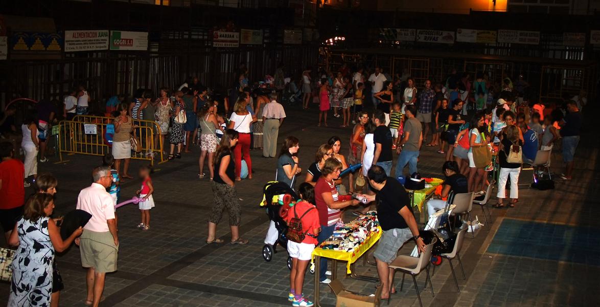 Miércoles 6 de agosto: «Rastrillo nocturno» organizado por la Asociación Juvenil «La Tajuela»