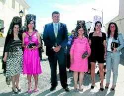 El alcalde, la concejala de Rincón y las cuatro mayordomas - NIEVES AGUT