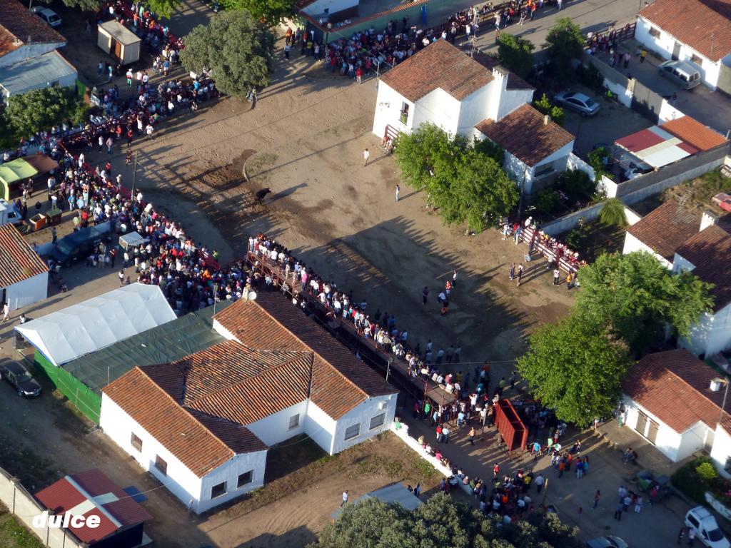 Fotografía aérea de las Fiestas de Puebla de Argeme - CORIA DESDE EL AIRE