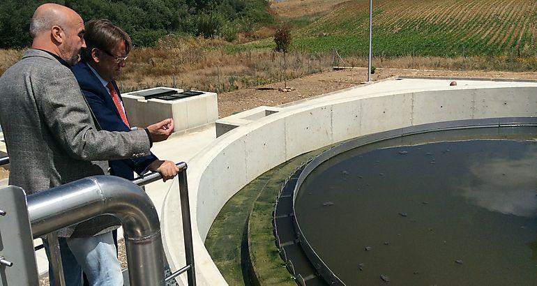 Del Moral visita la nueva depuradora de aguas residuales de Riolobos, en la que se han invertido 1,7 millones