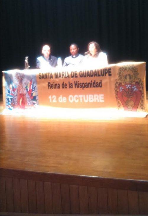 La escritora torrejoncillana Rosa López Casero ha sido la encargada de abrir las LXXXVII Jornadas de la Hispanidad con una conferencia sobre Fernando el Católico