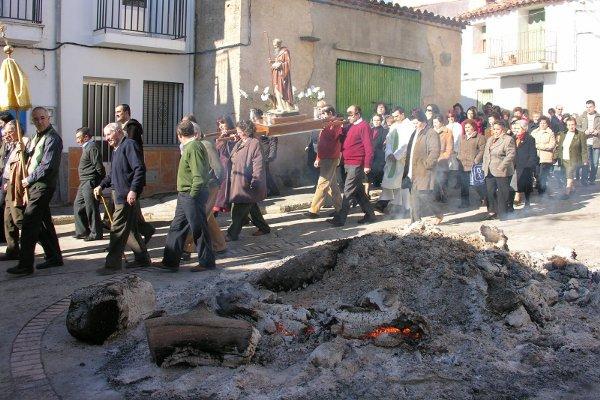 Pescueza celebra las Fiestas de San Antón los día 16 y 17 de enero