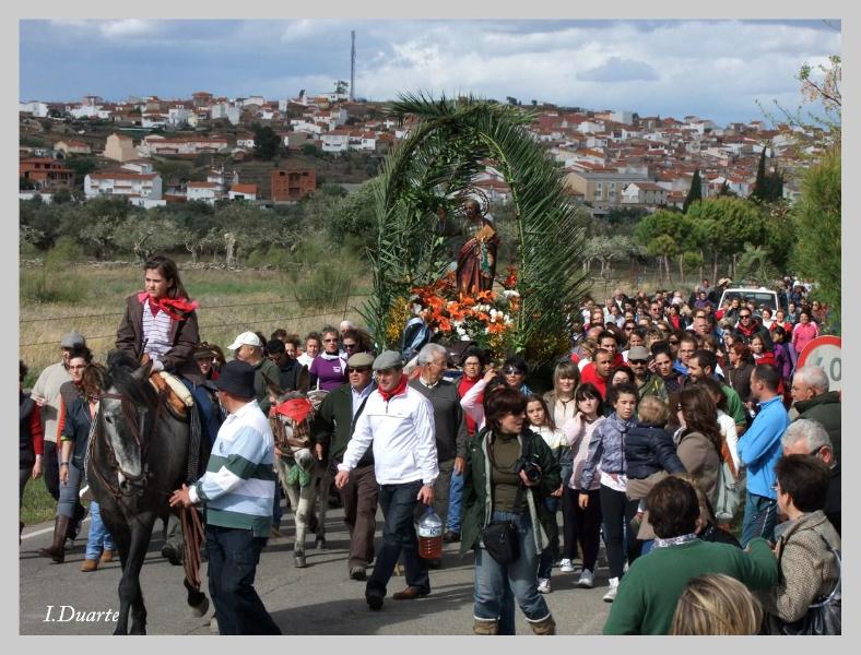 Arranca un sábado de grandes actos pre-romeros