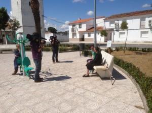 Momento de la grabación del reportaje en la Plaza de Valdencín - REYES MARTÍN