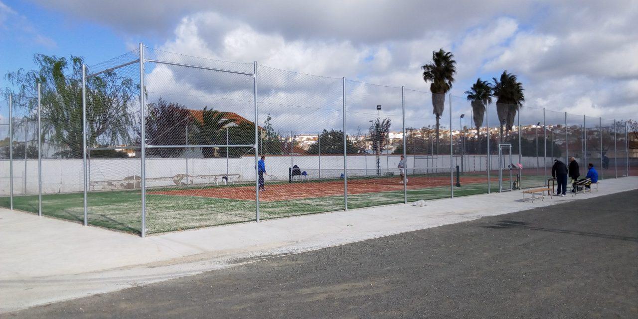 Inauguración de la nueva pista de tenis en Torrejoncillo