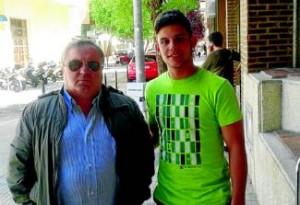 El jugador, junto a Adolfo Senso, su 'mentor' en el Diocesano - CEDIDA