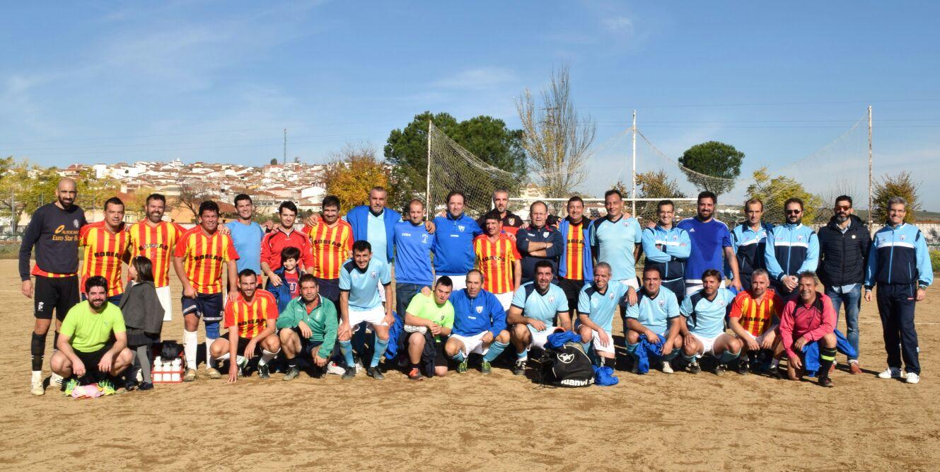 Los veteranos torrejoncillanos vencieron en el Trofeo la Encamisá de Fútbol