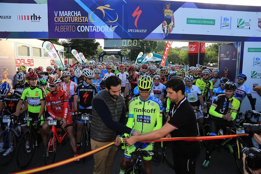 """""""Sólo el espectáculo nos hará libres, nos salvará. Sólo la verdad nos hará orgullosos"""". (Alberto Contador)"""