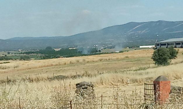 Fuego por la zona de la depuradora municipal