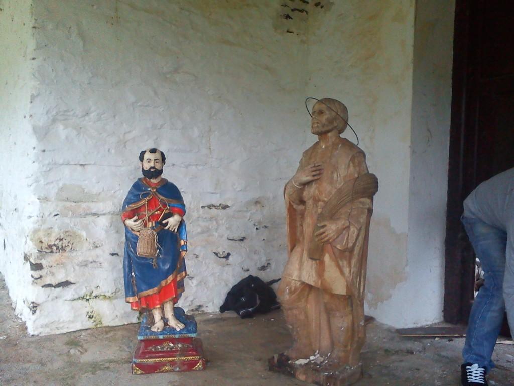 """San """"Pedrino"""" y San Isidro tras ser rescatados de entre los cascajos - MARÍA JOSÉ VERGEL"""