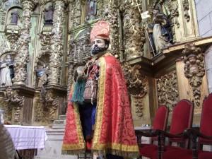 """San Pedro """"El Viejo"""" expuesto en la Iglesia Parroquial de San Andrés de Torrejoncillo tras ser rescatado - MARÍA JOSÉ VERGEL"""