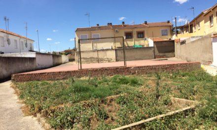 """El Ayuntamiento acondicionará la pista deportiva de """"El Polear"""""""