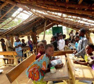 Jornada sobre el acceso a la educación de los niños del mundo en Valdencín