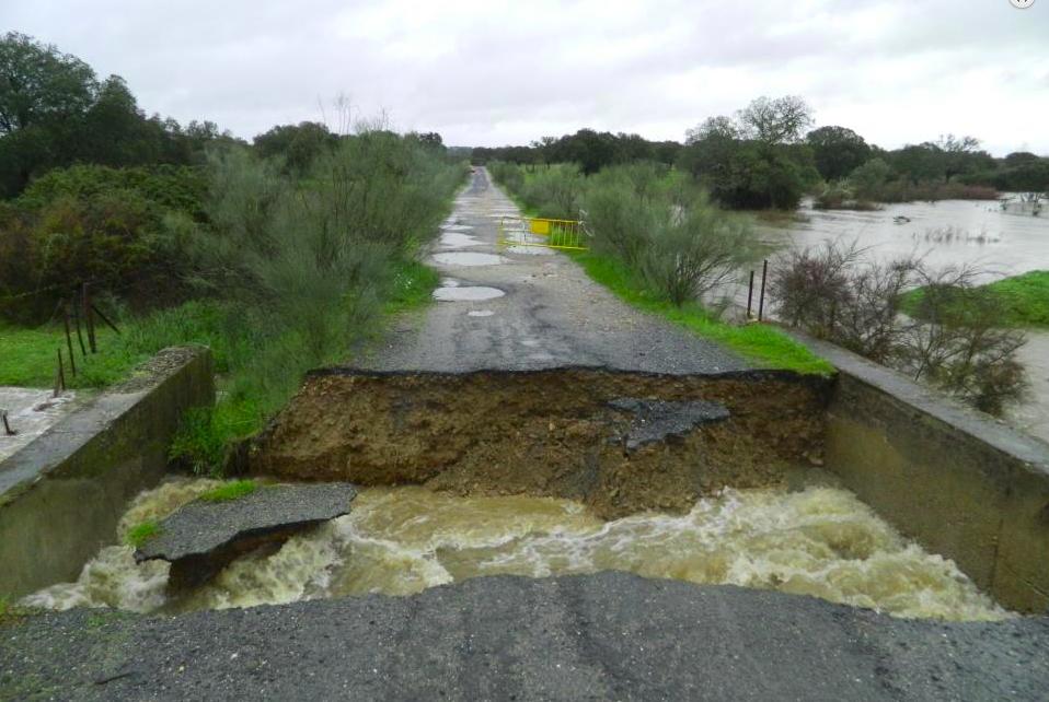 Se inicia la licitación para acometer las obras de la carretera a la presa de Portaje por 1.140.000 €