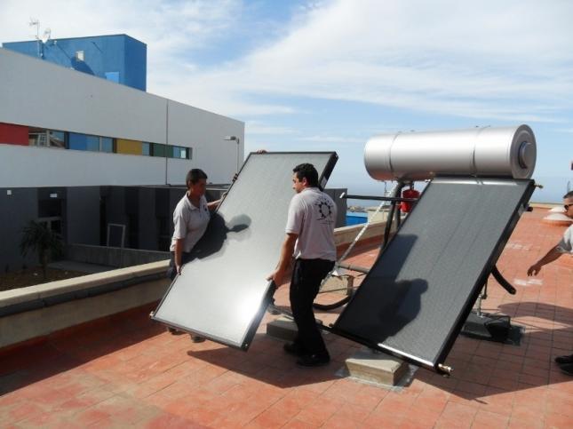 Adesval saca a concurso la realización de un curso de instalador de energía solar térmica