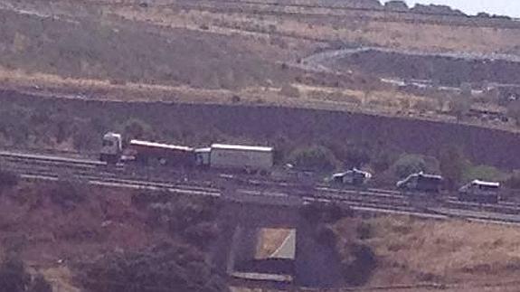 Una colisión entre dos camiones en la A-66 a la altura de Cañaveral (Cáceres) acarrea varios heridos