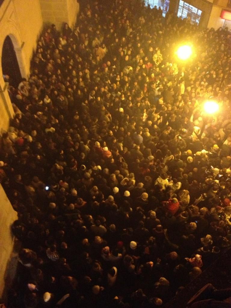 """""""Esperando la salida #laencamisa"""" - @raqsanchezsilva"""